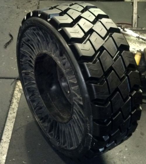 Retreaded Michelin Tweel | Petes Tire Barns in MA, NH, VT, RI and CT
